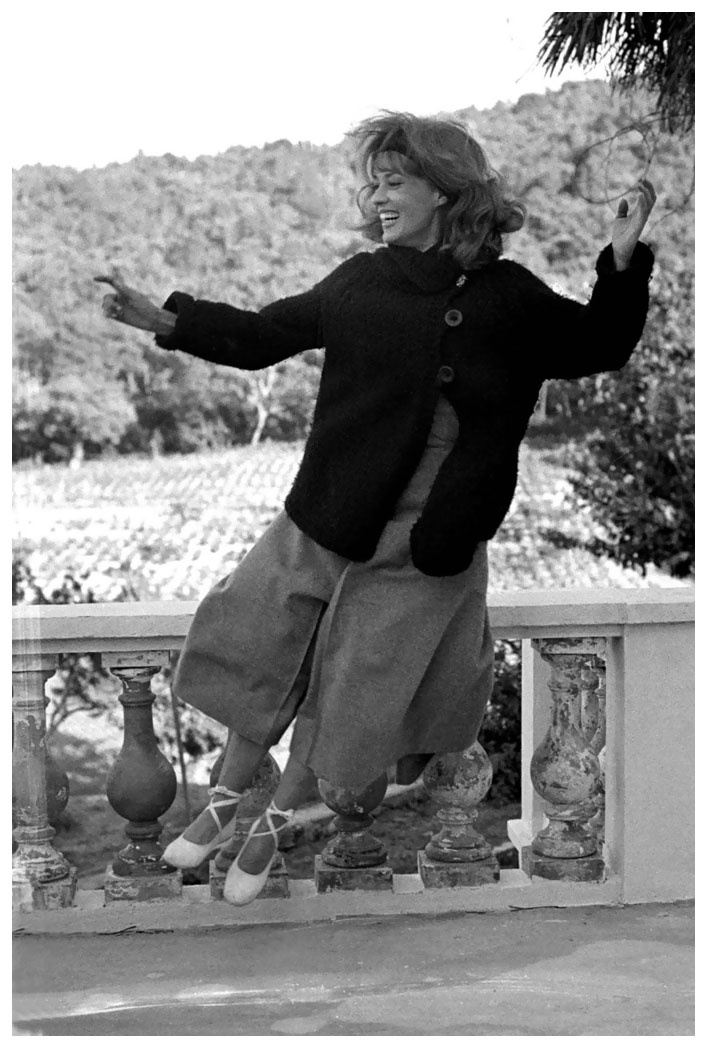 Jeanne Moreau on the set of Francois Truffaut's Jules and Jim, in France, 1961 taken by Raymond Cauchetier