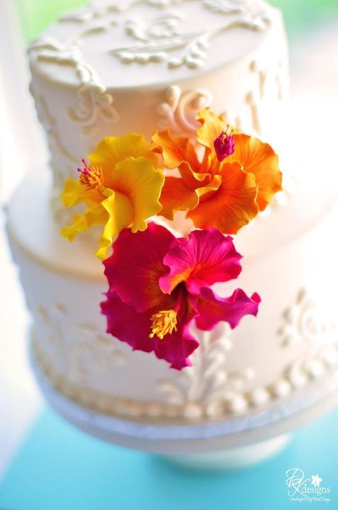 hibiscus wedding cakes best 25 hibiscus cake ideas on fondant 15222
