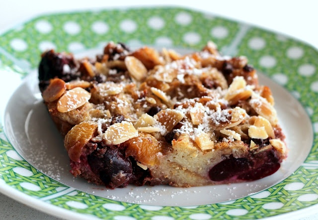 Chocolate, Cherry & Almond Bread Pudding by Lexi's KitchenAlmond Breads, Monkeys Breads, Breakfast Brunches Ideas, Desserts Ideas, Custards Recipe, Food, Bread Puddings, Breads Puddings, Chocolates Cherries