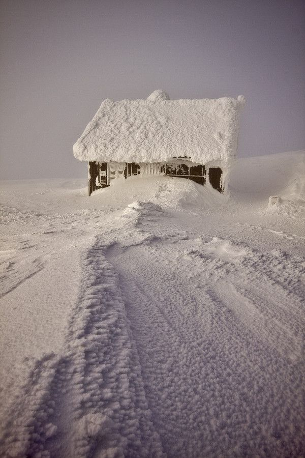 ~~Lone Cabin in Winter ~ Sniezka, Karkonosze Mountains,  Czech Republic by Piotr Krzaczkowski~~