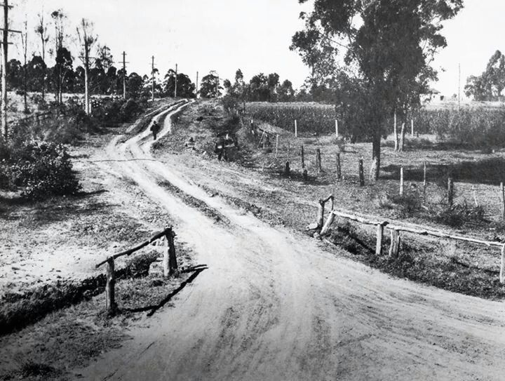 Old Prospect Rd in 1934.Originally the main track between Parramatta and Prospect Hill.Photo from State Library of NSW.A♥W