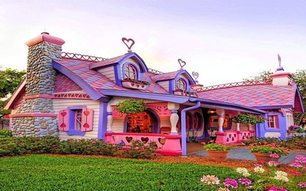 I really like this.: Gingers Breads House, Pink House, Alice In Wonderland, Minnie Mouse, Minis Mouse, Colors Home, Dreams House, Gingerbread House, Savannah Georgia