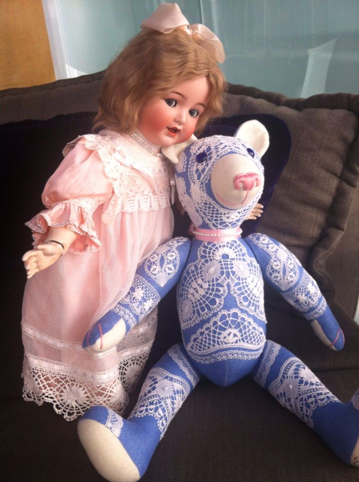 Adult teddy bear VILAN (20 15/32 in) and Simon & Halbig doll antique, 1895