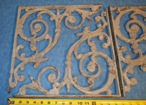 Antique-Three-large-15-inch-Painted-Victorian-cast-iron-ornate-shelf-brackets