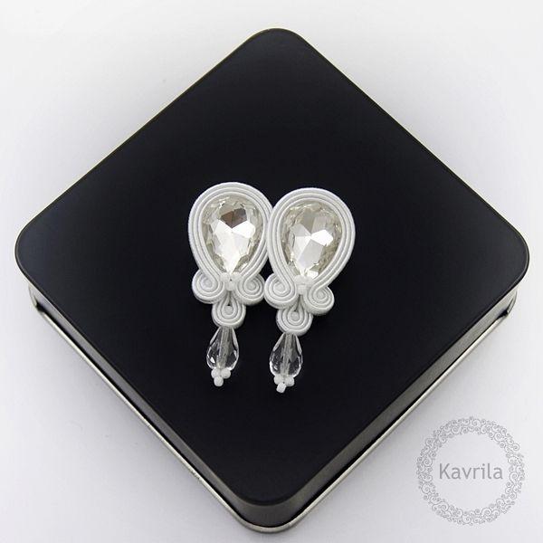 Candy white soutache - kolczyki ślubne sutasz KAVRILA #sutasz #kolczyki #ślubne #białe #rękodzieło #soutache #handmade #earrings #wedding #white #crystals #kavrila