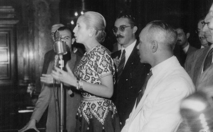13 de marzo de 1950  Registro del agradecimiento de Eva Duarte de Perón a empleados de sanatorios y hospitales particulares por la donación de un cheque para la Fundación Eva Perón.