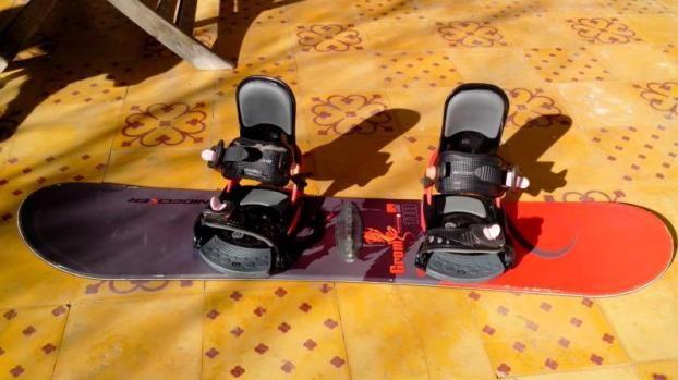 Snow Enfant Nidecker 110cm ►http://www.topannonces.fr/annonce-equipement-de-sport-v44635186.html