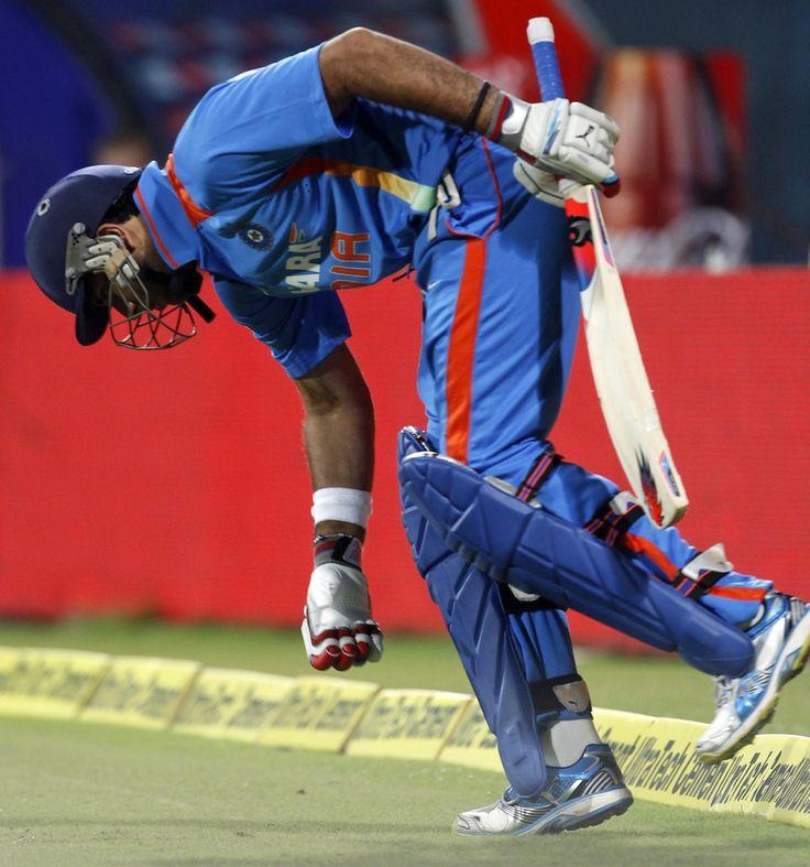 Yuvraj Singh enters the field...:) <3