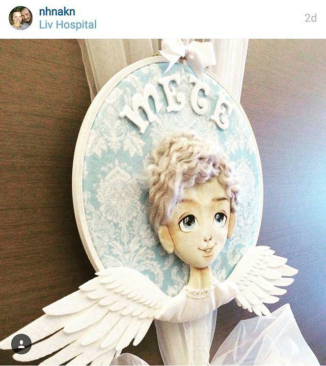 Günün güzel haberi 😊😊 Mete gelmiiiiiiş 🎉🎈 Bu fotoğrafları görünce aileme yeni bir bebek katılmış gibi seviniyorum 😄😃  #meleklerkorusun #melek #melekpano #elboyaması #elemeği #tasarım #angel #angels #angelwings #fabricdoll #clothdoll #artdoll  #handpainted  #handpainting  #yüzboyama #yüzboyamakursu #bezbebek #bezbebekler  #craftart #evdekor #annebebek #kapısüsü #hoop #hoopart #duvarpanosu #dekorasyon #bebeğim #mavi #hastaneodası #damask
