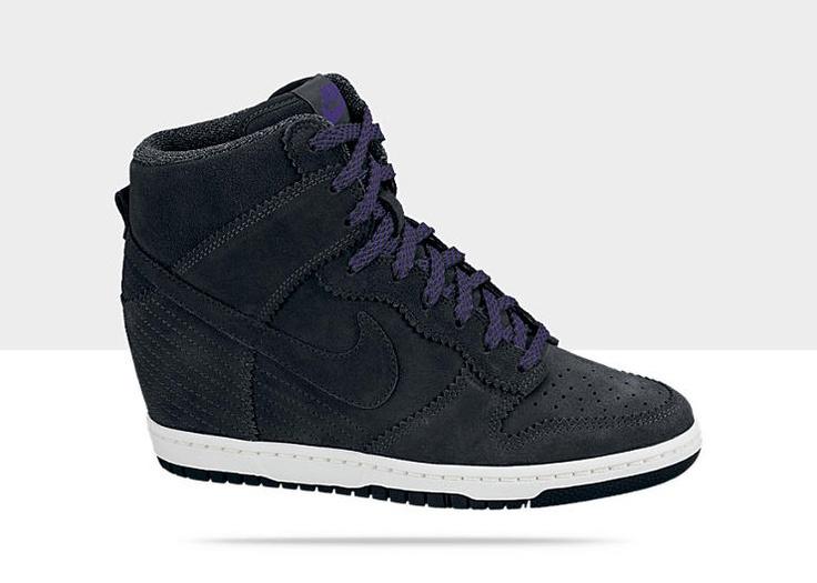 Nike Dunk Sky Hi Women's Shoe 7.5 I need for my walk to work every morning.