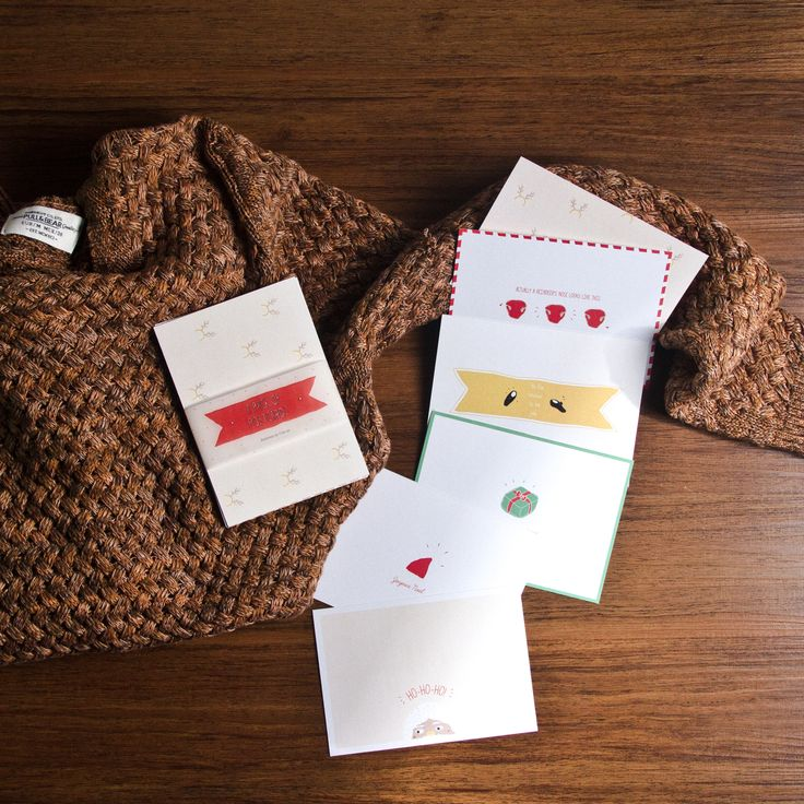 There are six cards in each pack #cestca #handicraft #handmade #christmas #gift #christmasgift #giftideas #greetingcard #postcard #vsco #vscocam #vscogoods