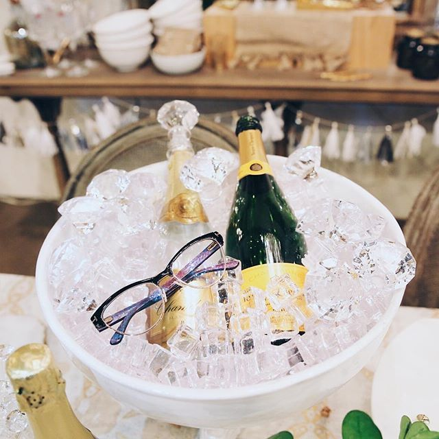Chic eyewear and champagne on ice! Our party season is off to the perfect start. Give the gift they will enjoy everyday... eyewear from @irisvisualgroup #myirisstyle