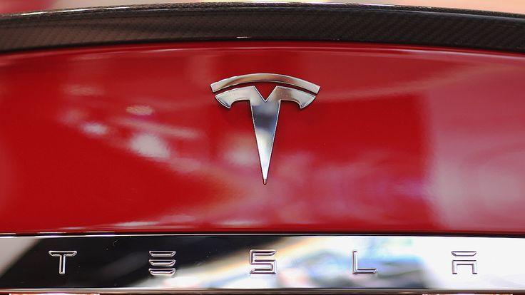 $35,000 Tesla Model 3 coming in 2017