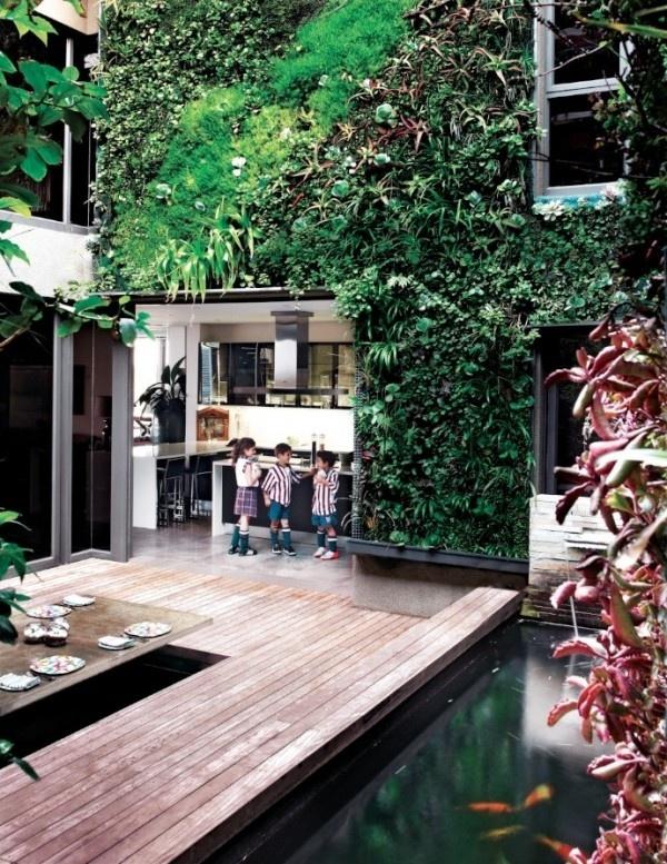 <3 (We LOVE GREEN) Plantas são os melhores objetos decorativos para áreas externas... Não se limite ao solo - aposte também em jardins verticais! *ótima opção para quem não tem muito espaço. <3