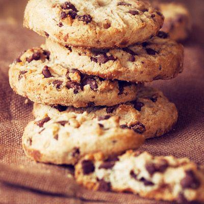 Ihanissa Choccy Cookies -kekseissä maistuu suklaa ja kotimainen kaura! #keksit #pikkuleivät #myllärin #suklaapikkuleivät #leivonnaiset