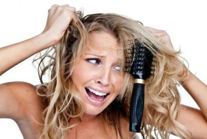 Comment éviter les frisottis et les cheveux secs noté 5 - 1 vote Vos cheveux sont secs et vous ne supportez plus tous ces petits frisottis? Testez notre merveilleux masque! Il vous faut: — 1avocat — 1/2 banane — 2 cuillères à café d'huile d'olive — 1 œuf — 2 cuillères à caféde miel — …