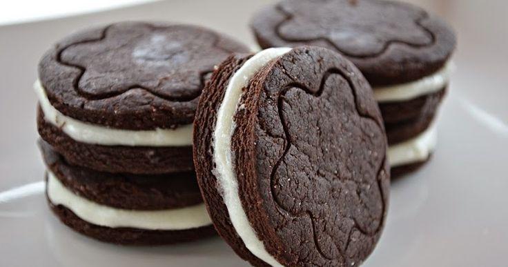 Ettetek már oreo kekszet? Ha még nem, akkor ne hagyjátok ki!   Nagyon finoom milka csokiban, shakeben, és biztos vagyok, hogy mi...