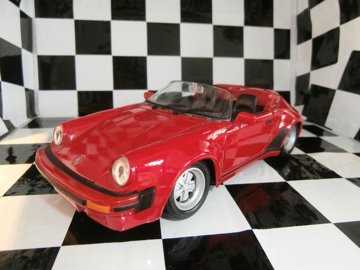 MAISTO PORSCHE 911 Speedster 1989 1:24 Maisto+ PORSCHE 911 Speedster  OLD