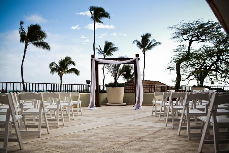 Halekulani Hotel Ceremony Setup On Hau Terrace Pinterest Wedding And