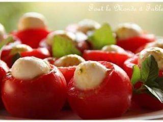 Profitéroles tomates-mozzarella au coulis de pistou, Recette Ptitchef