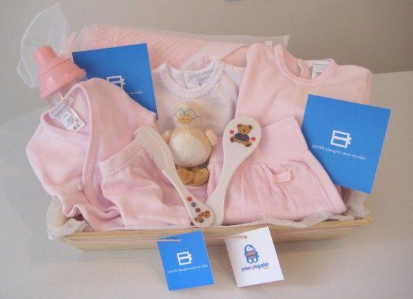 Hoy te queremos presentar un regalo original ideal para un recién nacido: Nuestra Cesta Daniela, una canastilla muy especial que estamos seguros que no te va a dejar indiferente.