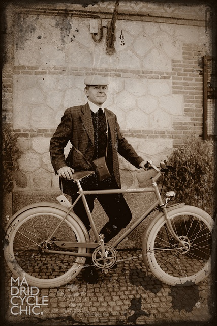 Retrovelo de @avantum en el Tweed Ride.