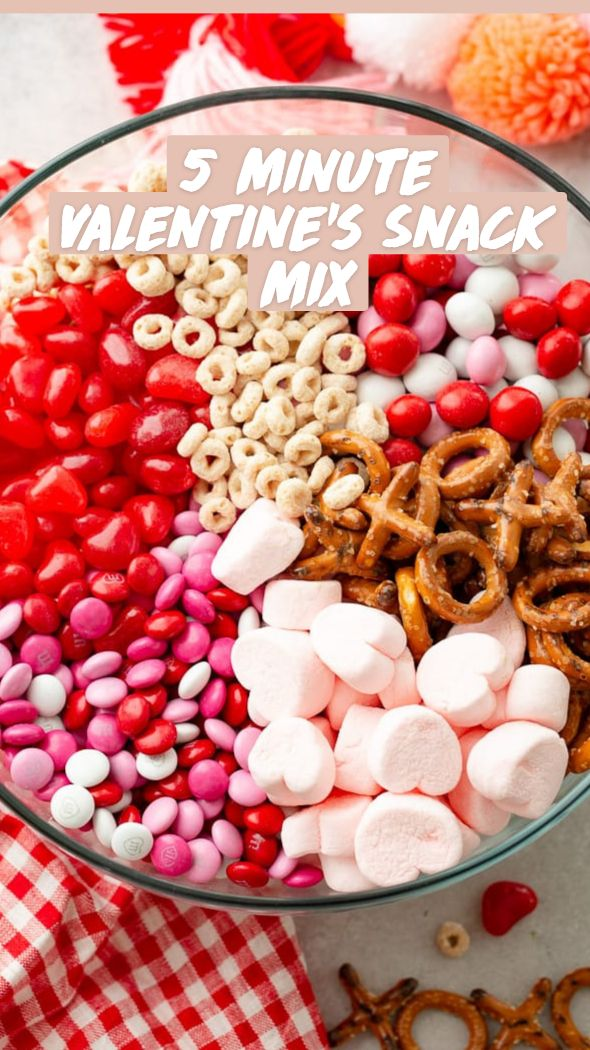 Valentine Desserts, Valentines Day Treats, Holiday Snacks, Holiday Recipes, Snack Mixes, Chex Mix, Charcuterie, Kids Meals, Food To Make