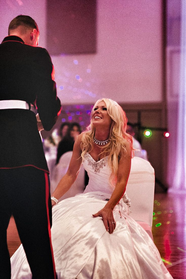 The Top 10 Songs To Play During Garter Toss At Your Wedding Reception Pour