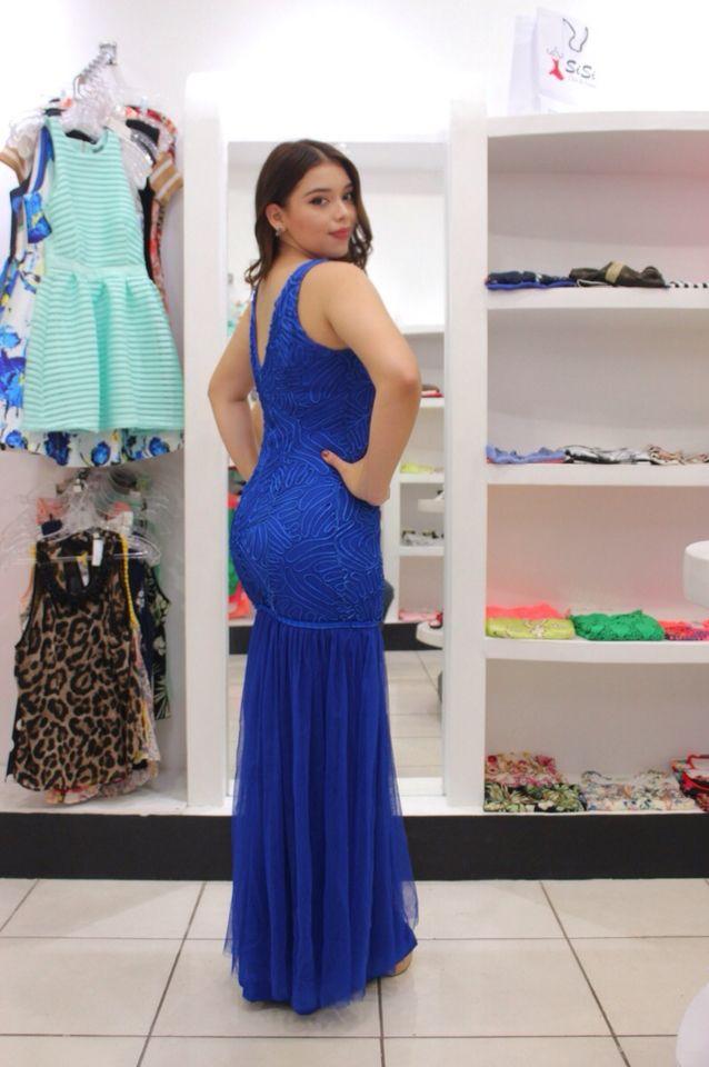 Vestido azul largo tipo sirena con tull