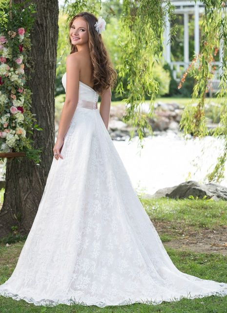 Bijsterveld bruidsmode - Helmond Sincerity bridal Sweetheart bridal
