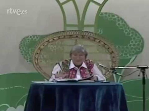 Gloria Fuertes recita 'El gato Garabato'