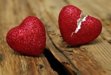 Brustet hjärta. 6 anledningar till att förhållanden tar slut Vad får förhållanden att ta slut? Majoriteten av dem tar slut av samma anledningar. Att känna till dessa orsaker kan hjälpa dig göra ditt förhållande mer framgångsrikt och hållbart.