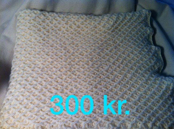 Dobbelt strikket babytæppe, 100% uld, 70*70 cm. Laves i flere størrelser og farver. kontakt: unamikarina@yahoo.dk