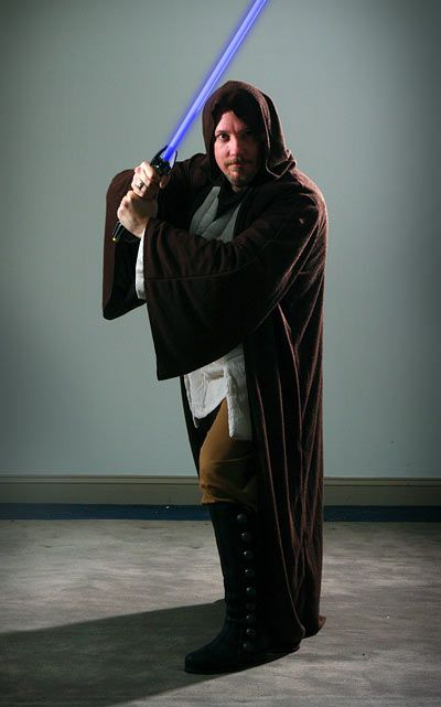 Cool Star Wars Jedi & Sith robes - http://ragebear.com/to/jedi-sith-robes