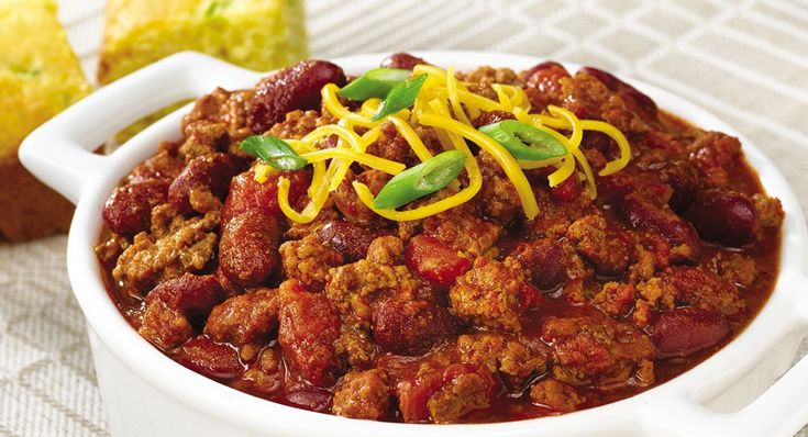 Slow Cookers Chili - So easy and serves 8 - Great for Tail-Gating at Games or for a Cold Fall/Winter Meal
