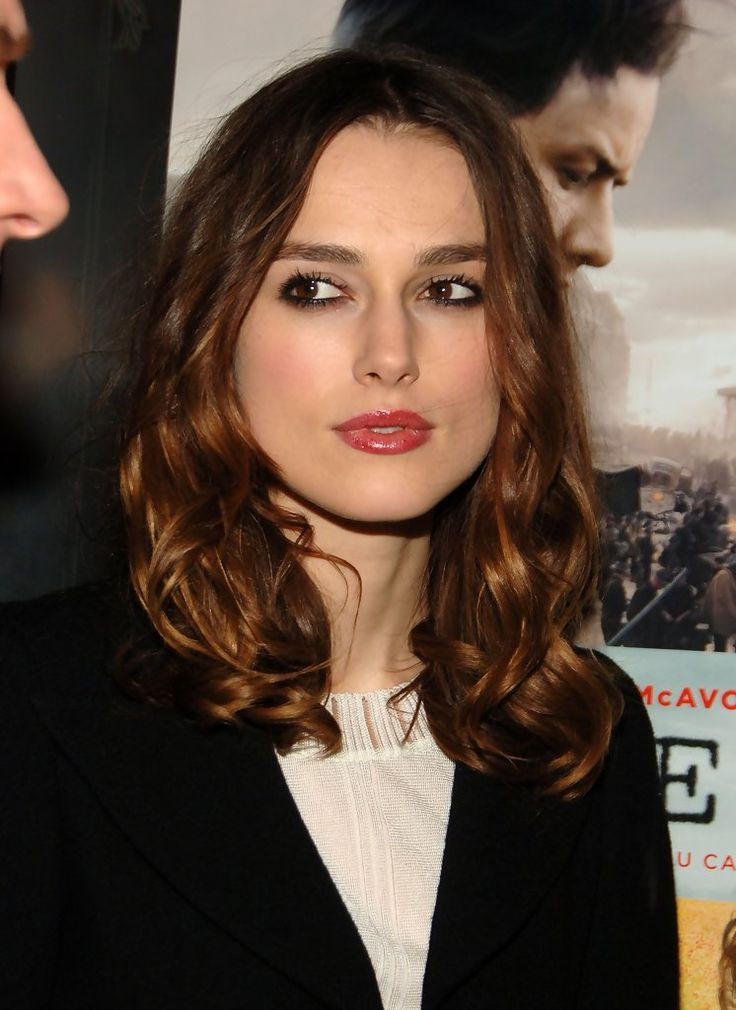 """Keira Knightley Photos Photos - Actress Keira Knightley attends the screening after party for the film 'Atonement' hosted by The Cinema Society & CHANEL BEAUTE on December 3, 2007 in New York City. - The Cinema Society & CHANEL BEAUT?? Host The After Party For """"Atonement"""""""
