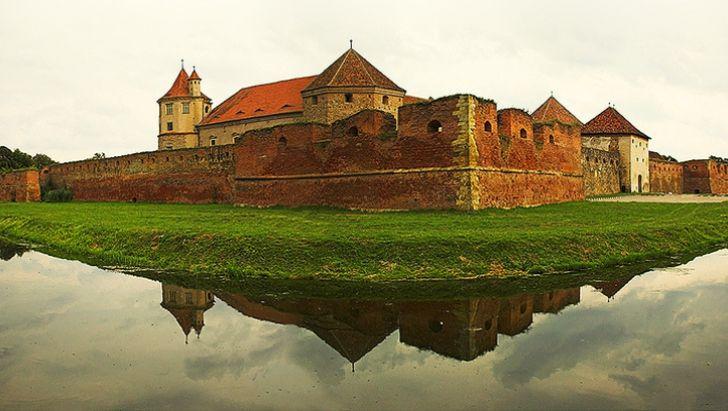 Cetatea Făgăraş, în topul celor mai frumoase castele din lume.