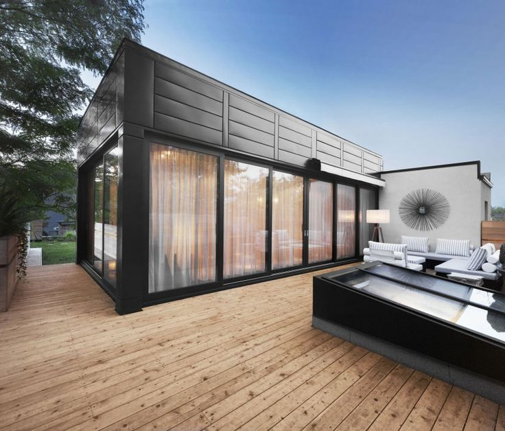 White Canvas On A Green Roof by Martine Brisson | HomeDSGN