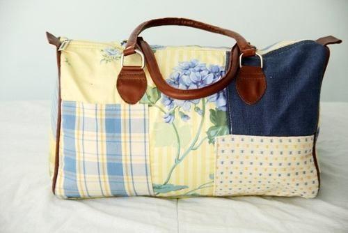 mala bolsa em patch work de tecido com alça de couro