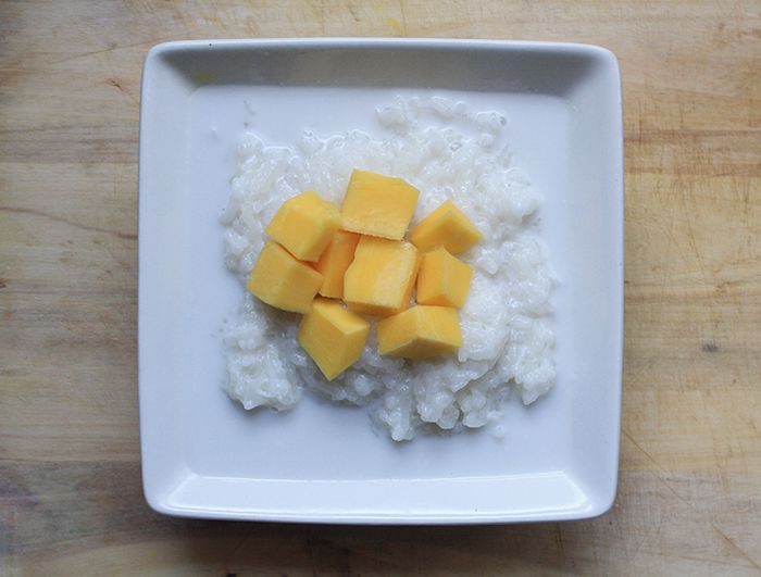 Coconut Milk, glutinous rice, mango, just what I love....!