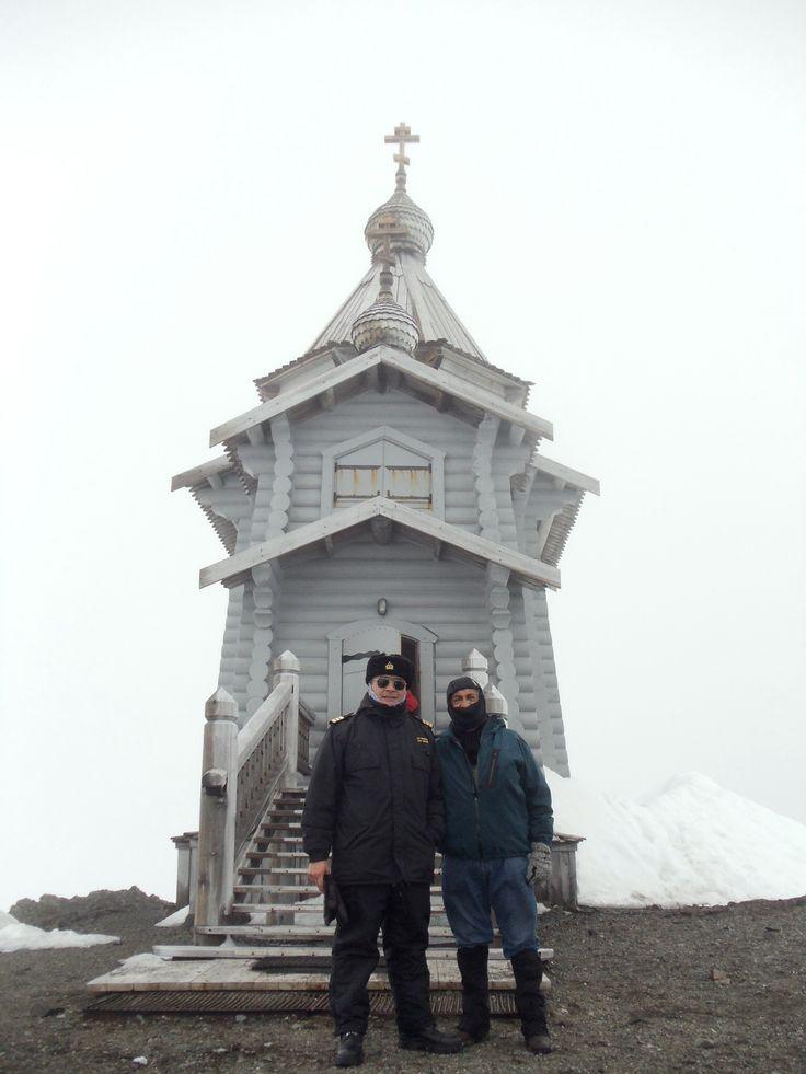 Capilla Ortodoxa en Península Fildes, Antartica Chilena.