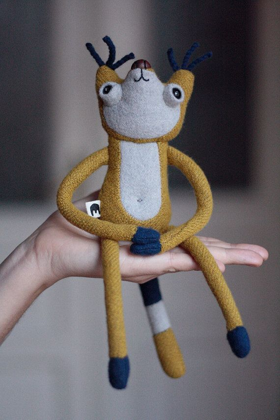 Muta  mutant Filon with magnetic paws  wool & wood by MUTAtoys