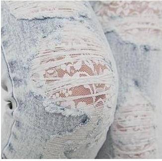 """Um detalhe que deixa seu """"distroyed jeans"""" mais suave. #jeans #distroyed #custom…"""