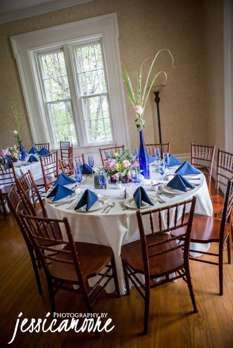 Wedding Centerpiece Inspiration info@warrenwoodmanor.com Vibrant tablescape with cobalt blue, pink and white. Jessica Moore Photography.