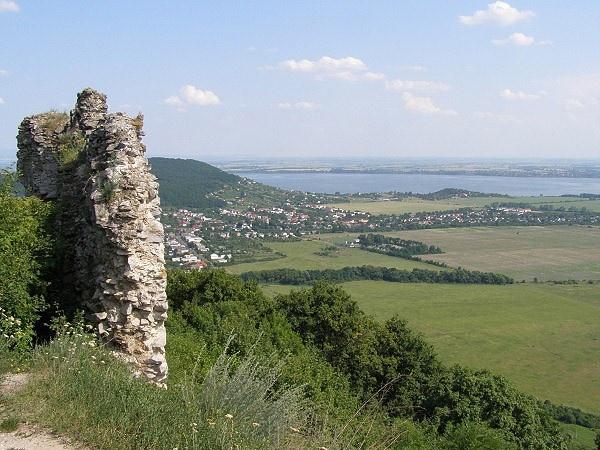 Slovakia, Vinné - Castle