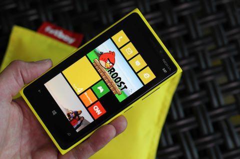 Apple iPhone 5 vs. Nokia Lumia 920: Windows Phone 8 and iOS 6 Do Battle. iPhone is so last year!