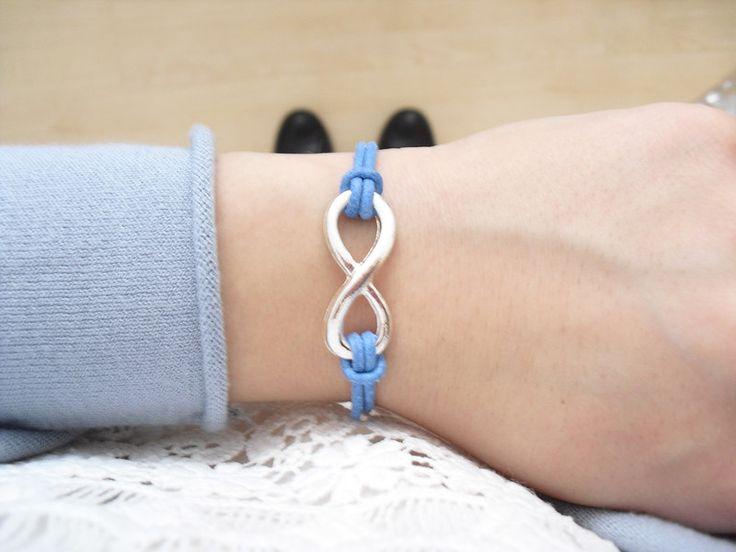 Lederarmbänder - Infinity Armband Leder Damen Unendlichkeitssymbol individualisierbar - ein Designerstück von sweetrosy bei DaWanda