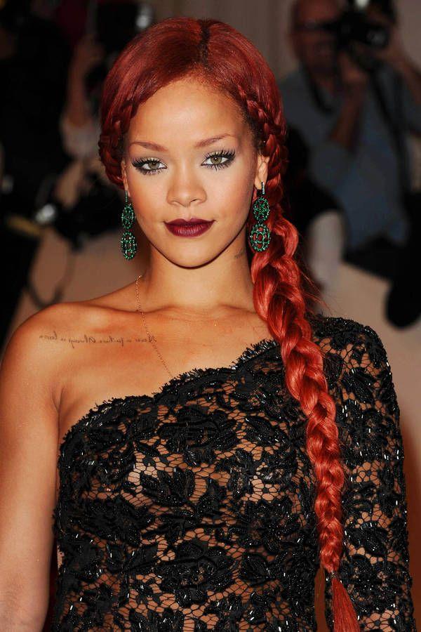 La coloration rouge de Rihanna