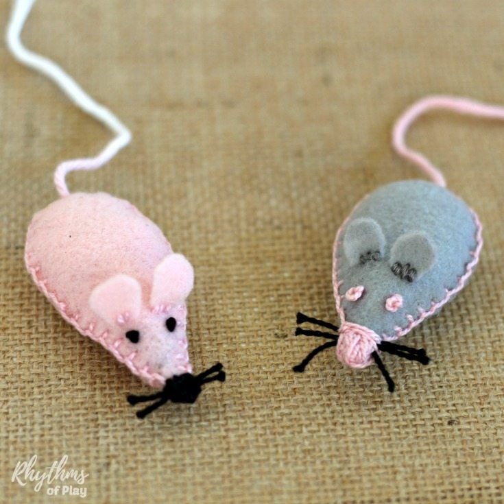 Sew a pocket pet mouse softie with the kids as a beginning sewing project! A pet mouse you can put in your pocket makes a great lovey or comfort object the kids can easily carry around with them. Send them off to day care or school for the first time, or back to school with a little bit of the safety of home right in their pocket.