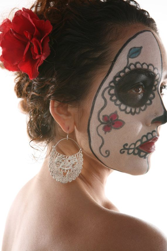 day of the dead: Earrings Arracada, Makeup Ideas, Hoop Earrings, Of The, Day Of The Dead, Dead, Los Merto, Dead Hoop, Day
